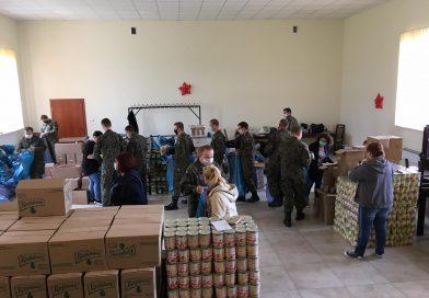 GOPS w Chorzelach dostarczył kolejne 10 ton żywności dla mieszkańców