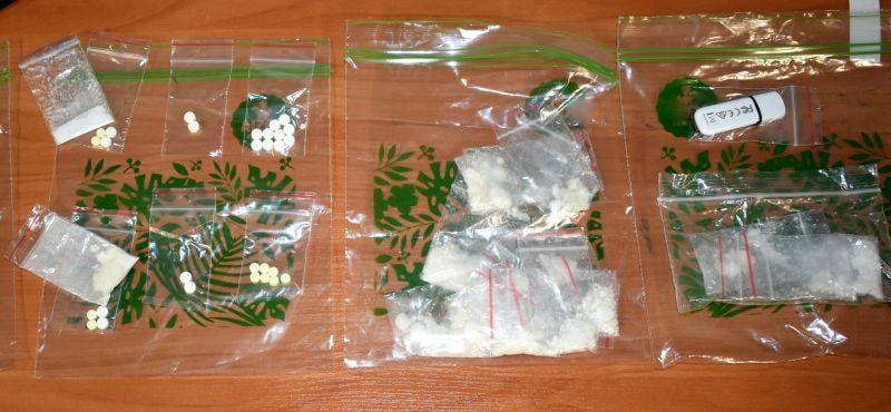 Uciekając wyrzucił torbę z amfetaminą. 61-latkowi grozi do 10 lat więzienia